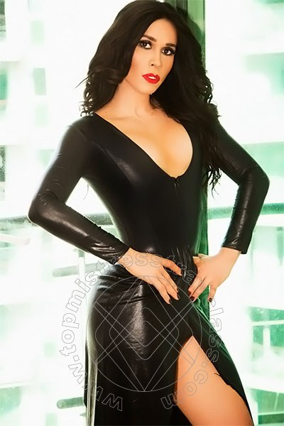 Mistress Flavia  LONDRA 0044 7389038777